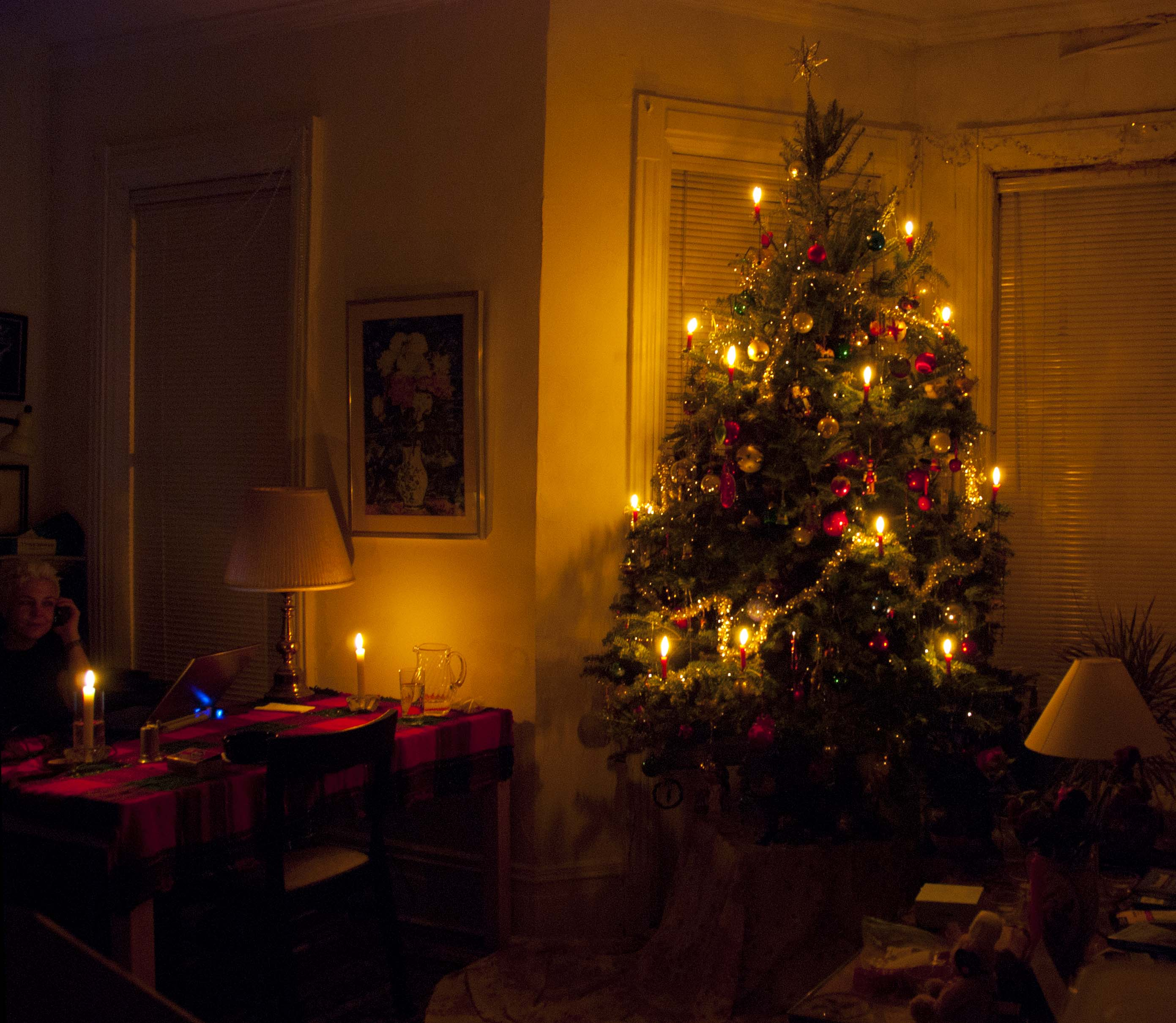 Christmas Tree Light, The Old-Fashioned Way