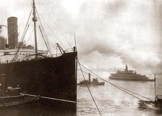 LUSITANIA-Harbor-New-York