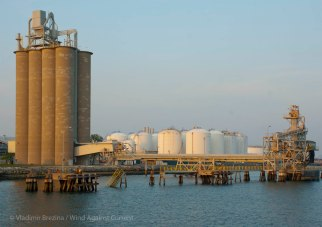 Silos and tanks
