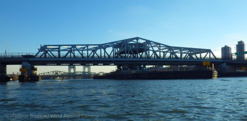 Looking back at the Third Avenue Bridge