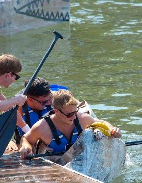 Cardboard-kayak-race-106