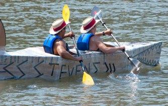 Cardboard-kayak-race-111