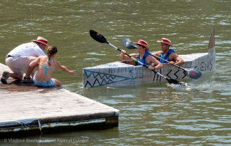 Cardboard-kayak-race-54