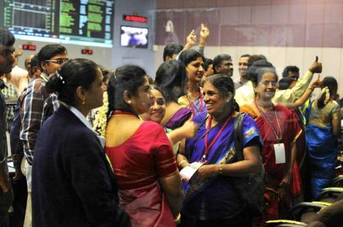 Scientists and engineers cheer as MOM reaches Mars orbit (Photo: Reuters)